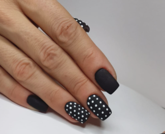 poua-nail-art-dots