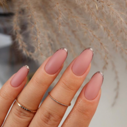 nude-french-manicure